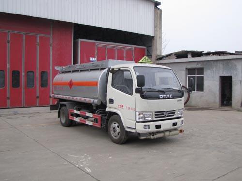 火狐体育官网注册牌SZD5071GJYDFA5型加油车
