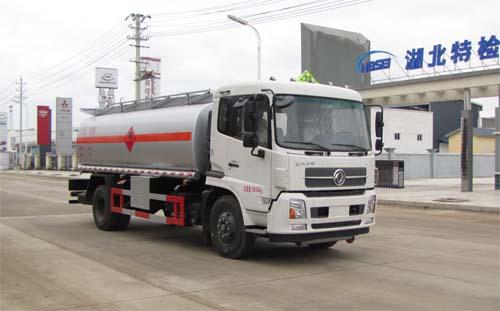 火狐体育官网注册牌SZD5180GYYD5V型运油车